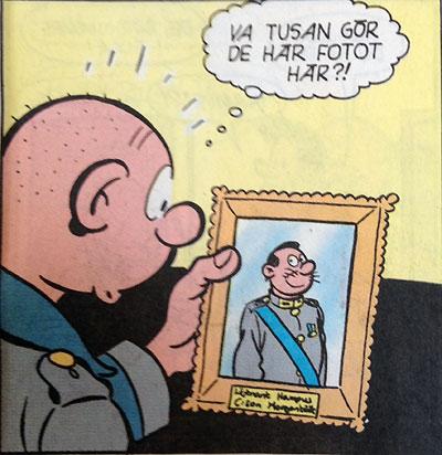 87:an hittar ett foto på majoren hemma hos sin mor och börjar fatta misstankar...